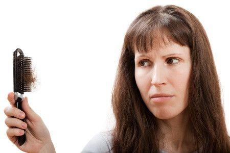 Calvizie femminile: l'autotrapianto di capelli per ritrovare l'autostima