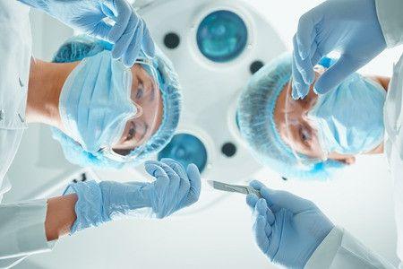 Chirurgia plastica estrema: colpa del paziente o del chirurgo?