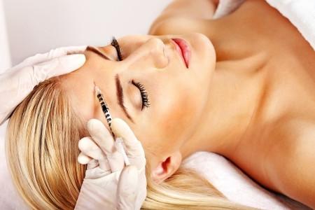 Il botulino per il trattamento del terzo superiore del volto