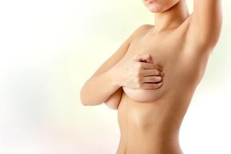 La mastopessi: mai sentito parlare di lifting del seno?