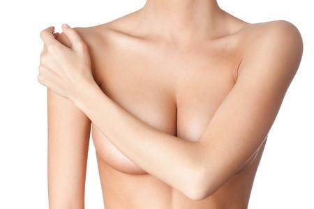 Mastopessi dopo l'allattamento: l'intervento per ritrovare la bellezza del proprio seno